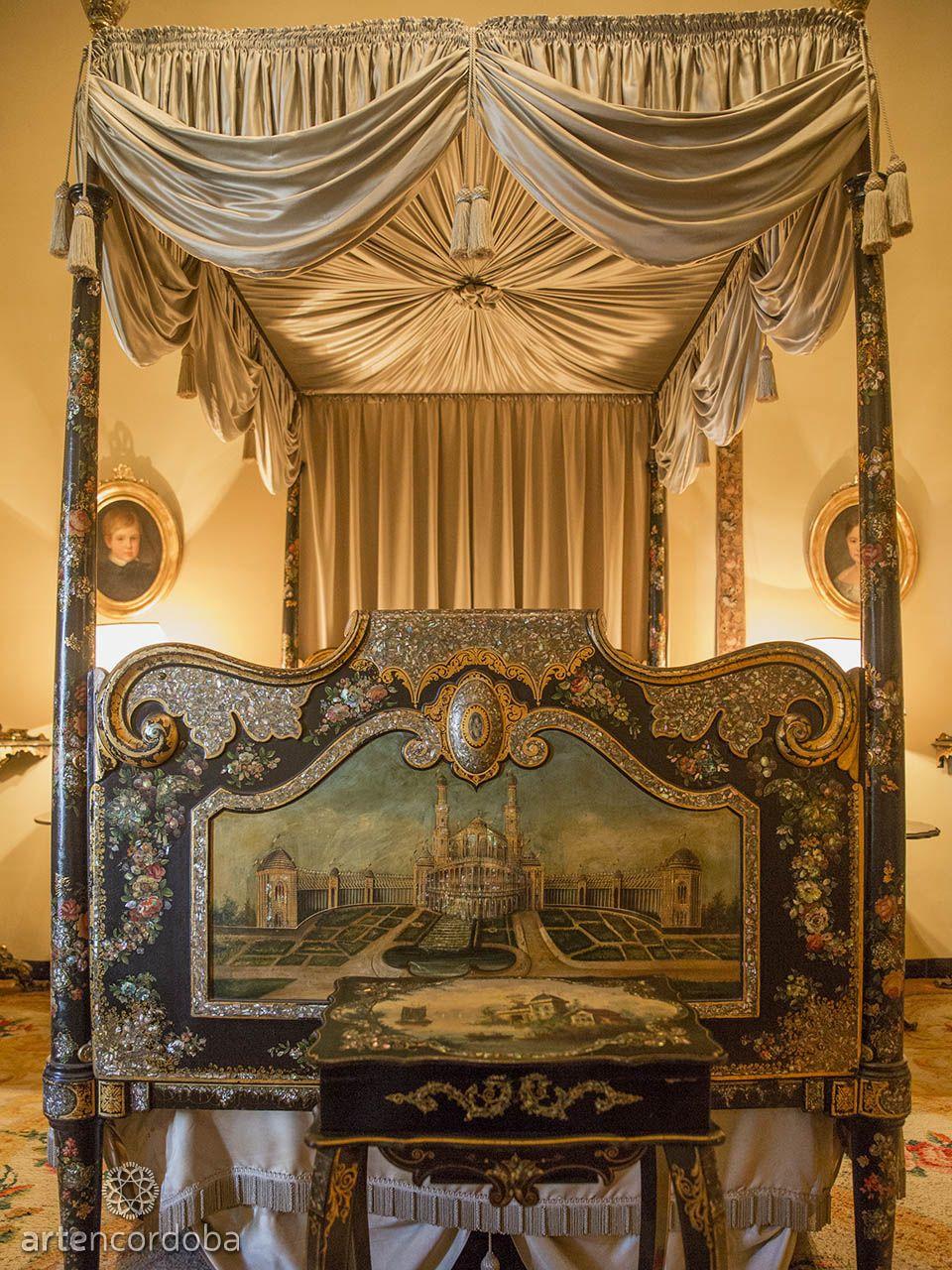 Palacio De Viana Pies De La Cama Isabelina Del Dormitorio Negro  # Muebles Viana Salas