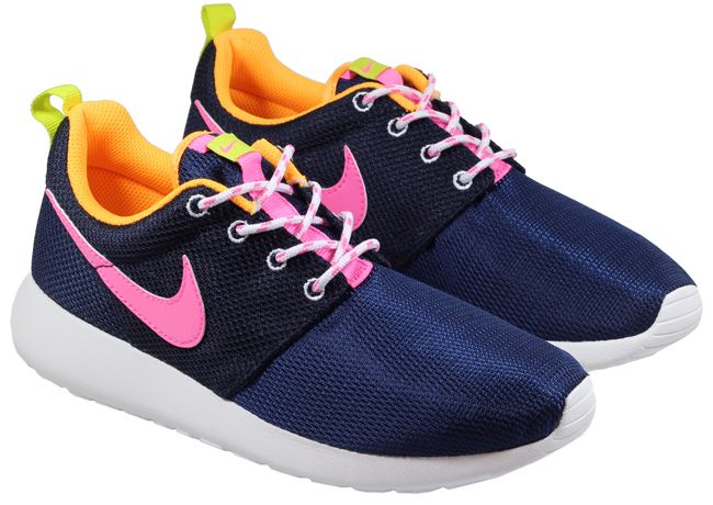 nike roshe runs blue and pink