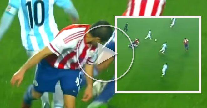 Cuando Messi hizo quedar en ridículo a dos paraguayos. http://www.kienyke.com/videos/cuando-lionel-messi-hizo-quedar-en-ridiculo-a-dos-paraguayos/