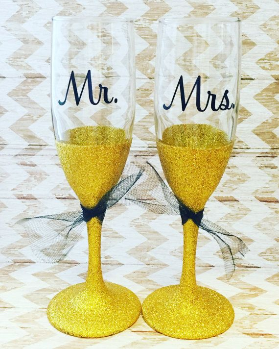 Mr and Mrs Champagne Flutes - Bride and Groom Toasting Glasses - Wedding Toasting Flutes - Gold Toasting Flutes - Toasting Flutes Set