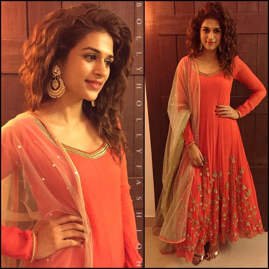 Instagram Photo By Bollyhollyfashion Nov 12 2015 At 4 05am Utc Indian Designer Outfits Anarkali Dress Indian Designer Wear