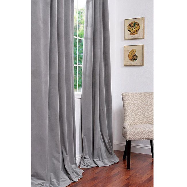 Exclusive Fabrics Signature Silver Grey Velvet 108 Inch Blackout Curtain Panel Dizajn Shtory Gostinaya