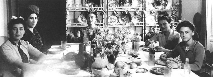 #Frida con amigas.
