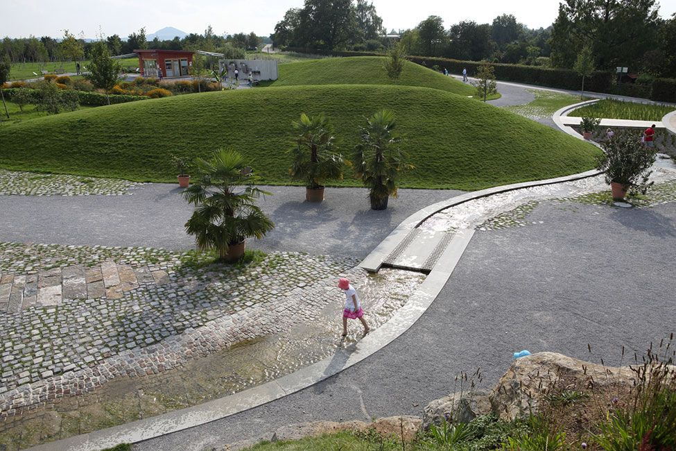 Landscape Park Wetzgau By Ramboll Studio Dreiseitl Landscape Architecture Works Landezine Landshaft Landshaftnaya Arhitektura Gorodskaya Arhitektura