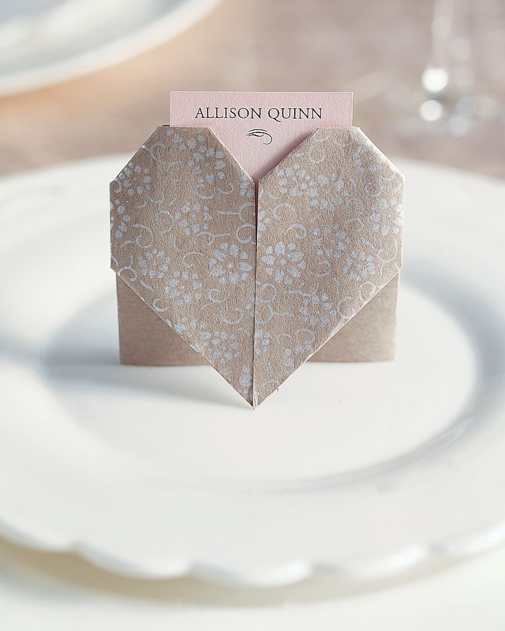 Paper-Heart Place Cards | Paper folding, Pretty patterns and Origami ...
