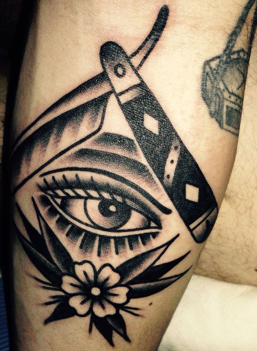 Tattoo old school black tattoo oldschool pinterest for Tattoo school listings