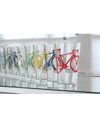Great website for handmade and reclaimed gifts... love these pint glasses with bicycles!