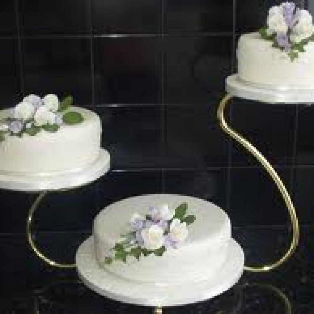 Floating cake stands on sale floating three tier cake