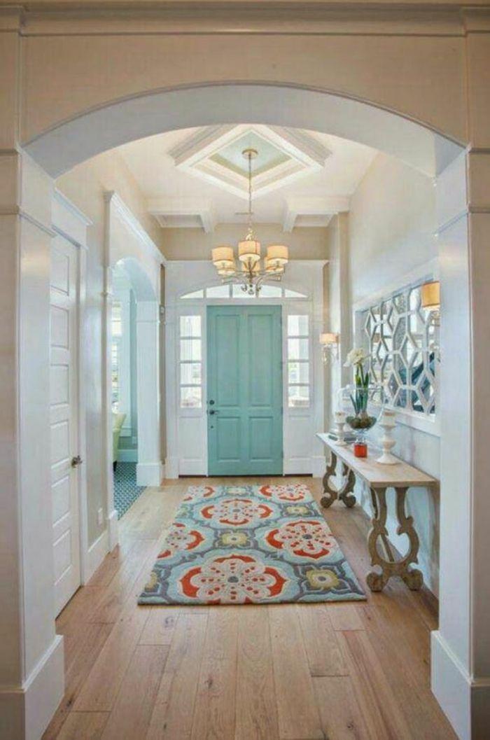 Tapis Hall D Entree #3: Deco Hall Du0027entrée Maison Dans Un Style Grec Avec Tapis En Turquoise Et En