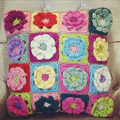 Free Crochet Patterns For Square Pillows : Love it! Crochet pillow pattern Crochet Pinterest ...