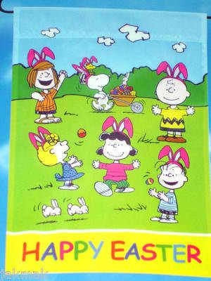 4589e5b650882a Peanuts Snoopy And The Gang Happy Easter Garden Flag 12X18