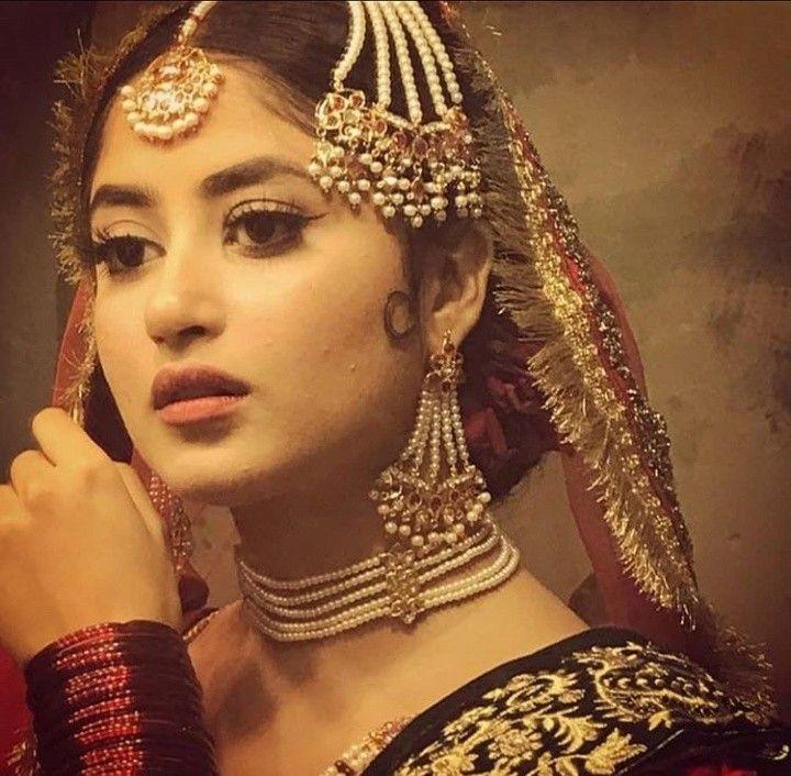 Sajal Aly Beautiful Wedding Dress and Makeup Look