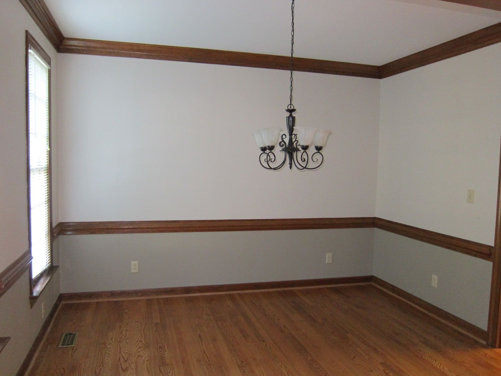 Dining Rooms With Stained Chairrail