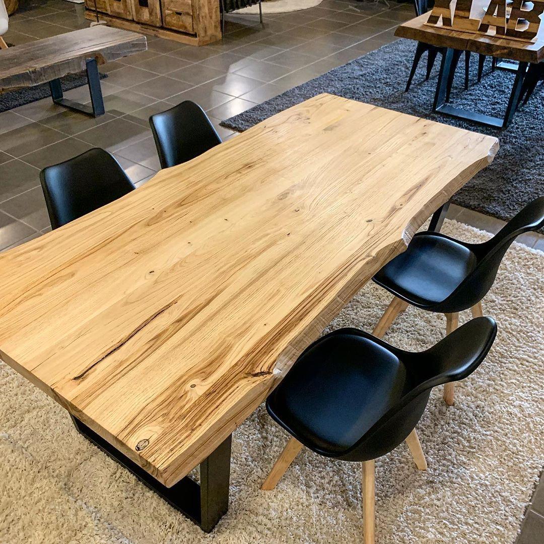 Photo of Tavolo da cucina in legno di castagno bordi rustici gambe in…