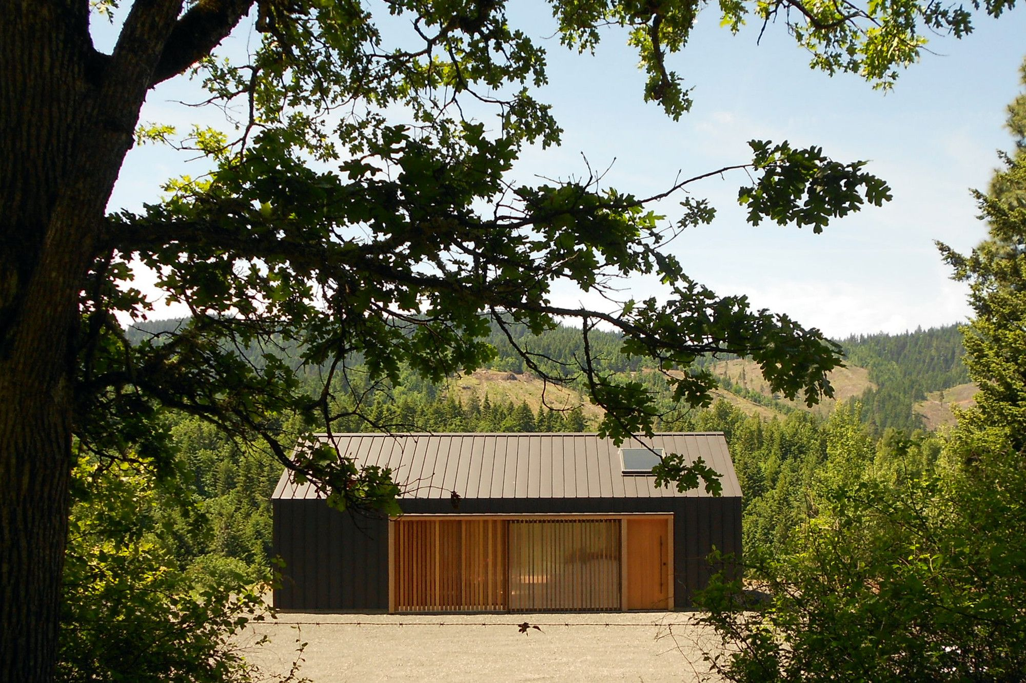 Gallery of Elk Valley Tractor Shed / FIELDWORK Design & Architecture ...