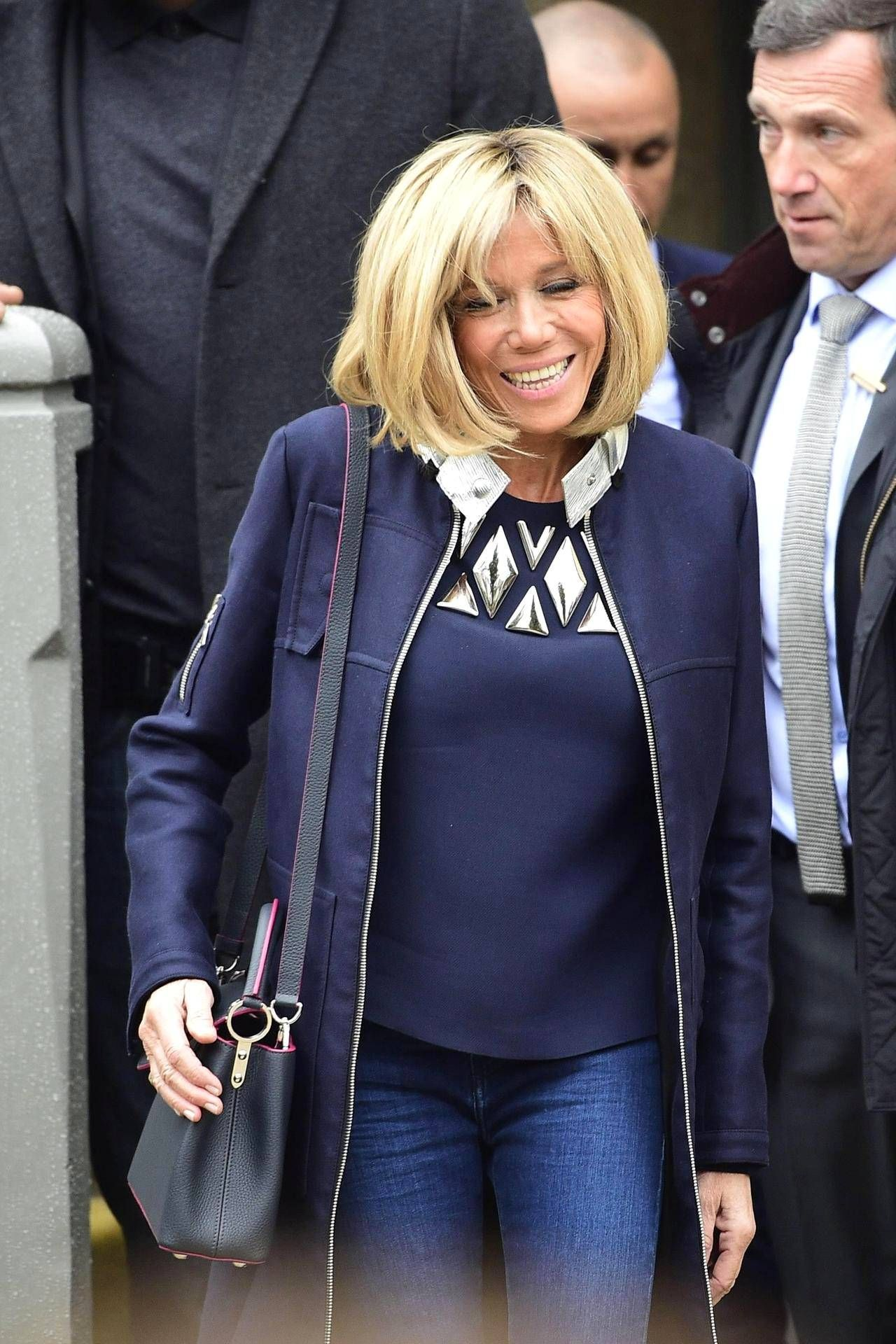 Emmanuel Macron Valittiin Sunnuntaina Ranskan Uudeksi Presidentiksi Samalla Macronin Vaimosta Brigitte Trogneux Sta Tuli Fashion Montreal Street Fashion Style