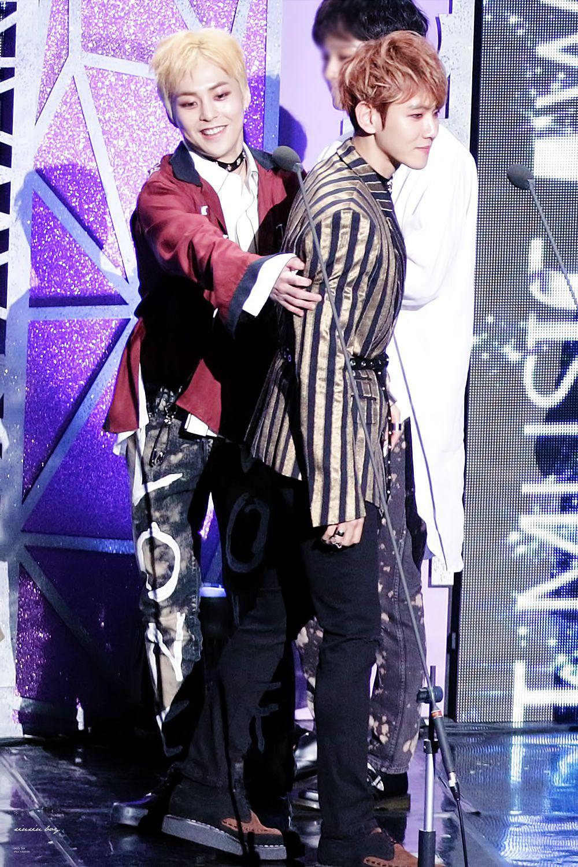 Xiumin - 170222 6th Gaon Chart Awards Credit: 슈슈보이. (제6회 가온차트 어워즈)