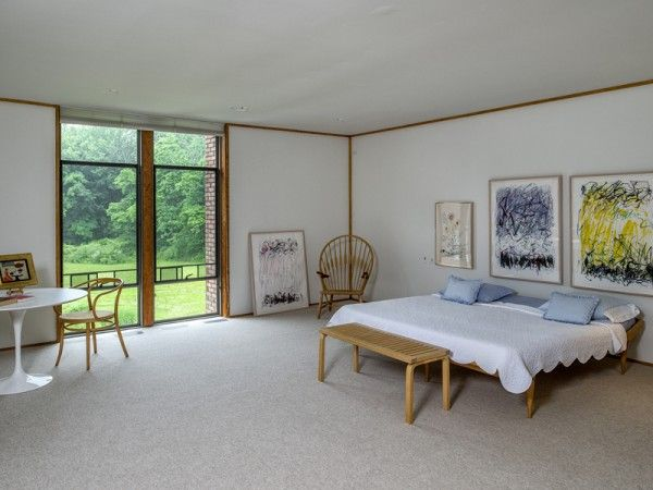 Located in new canaan connecticut and design by famous german american architect ulrich franzen dana house is a masterpiece of mid century modernism built
