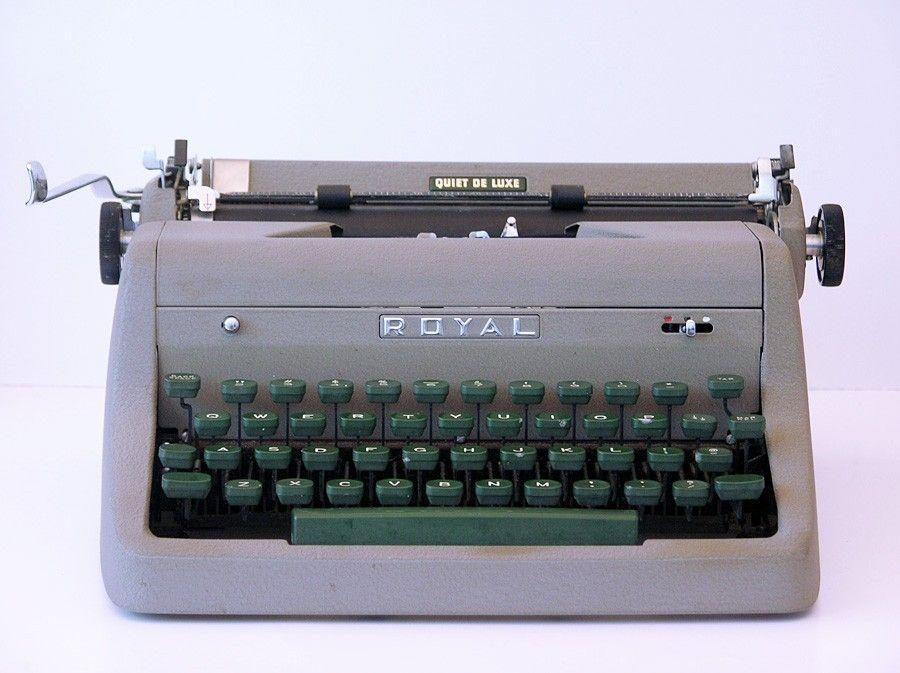 Vintage 1952 Royal Quiet De Luxe Portable Manual Typewriter Typewriter Vintage Typewriters Vintage