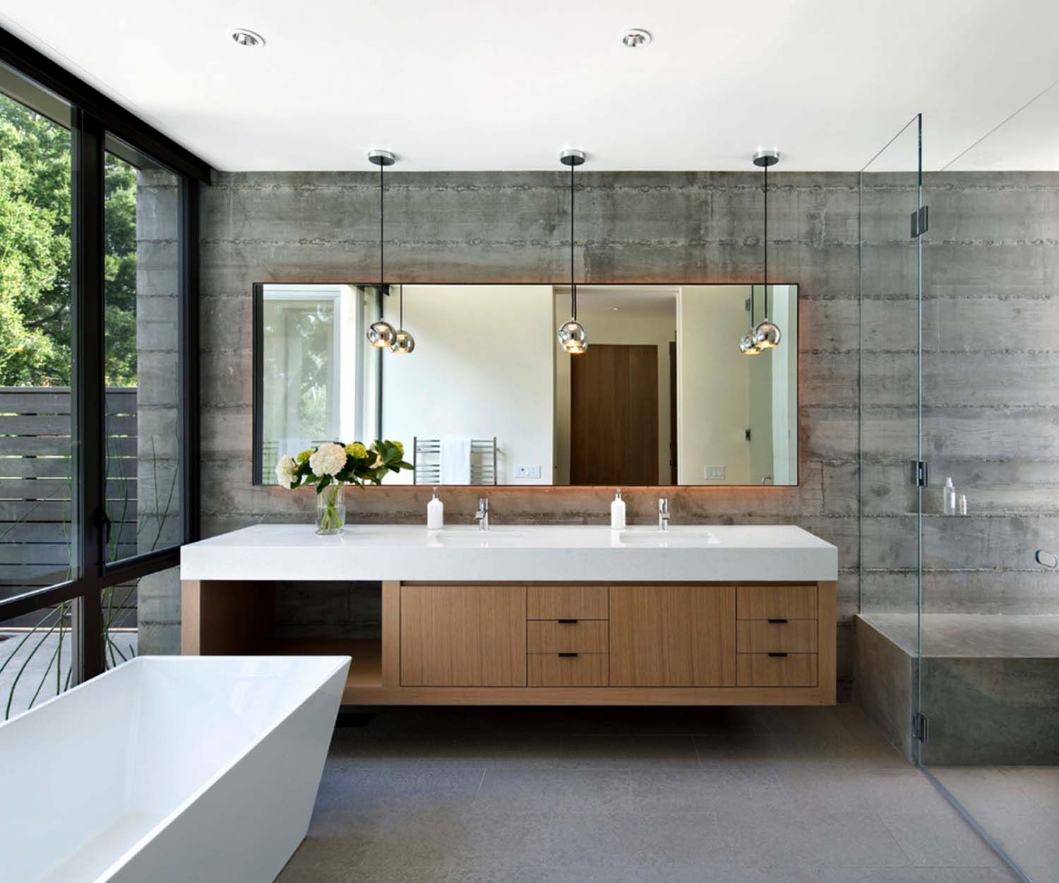 Incredible Looking California Dwelling Filled With Natural Light Modern House Design Bathroom Interior Design Bathroom Interior