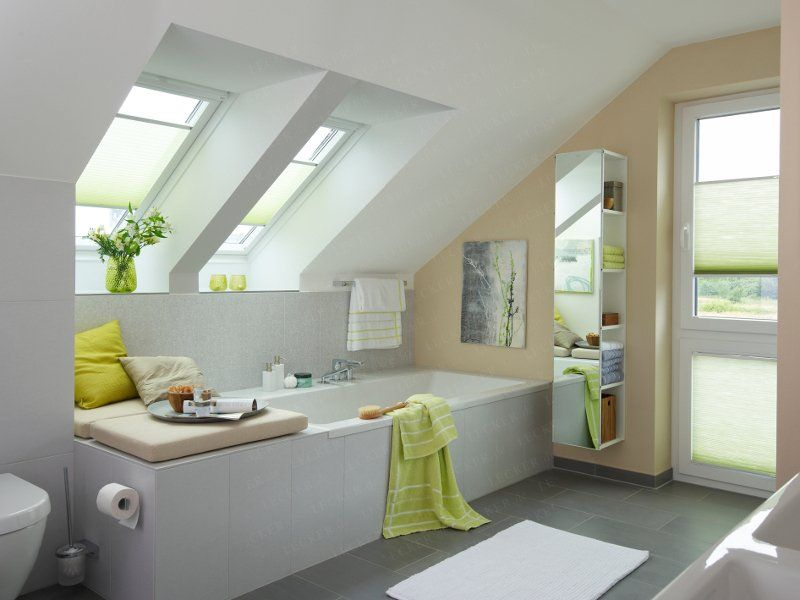 kad in fotelj | For the Home | Bathroom, Sloped ceiling bathroom und ...