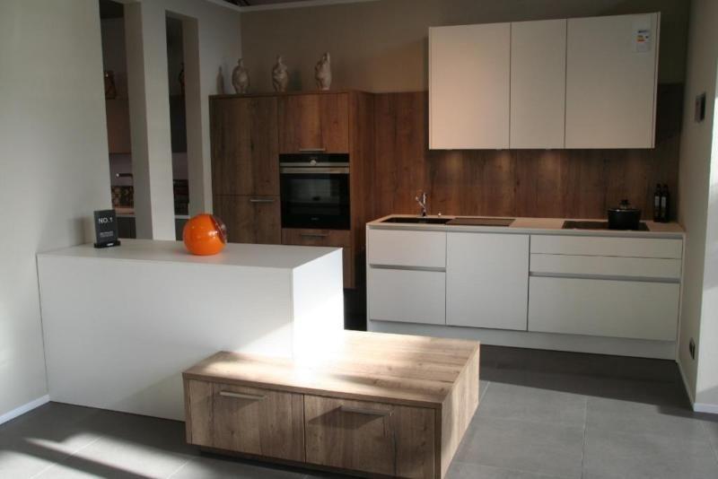 Abverkaufsküchen poggenpohl  Moderne und hochwertige Abverkaufsküche von Leicht Modell Strato C ...