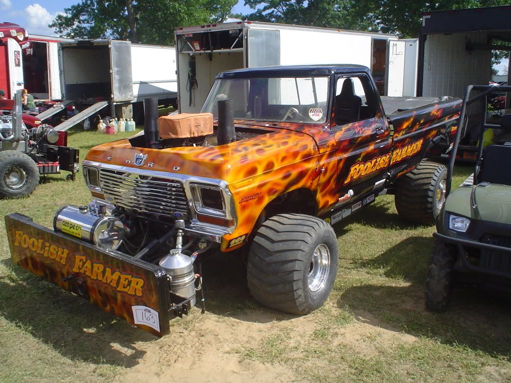 4x4 Truck And Tractors : Ford pulling trucks here s some flamin foolish