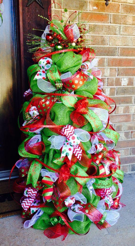 how to make a christmas tree using a tomato cage and poly mesh - Tomato Cage Christmas Tree With Mesh