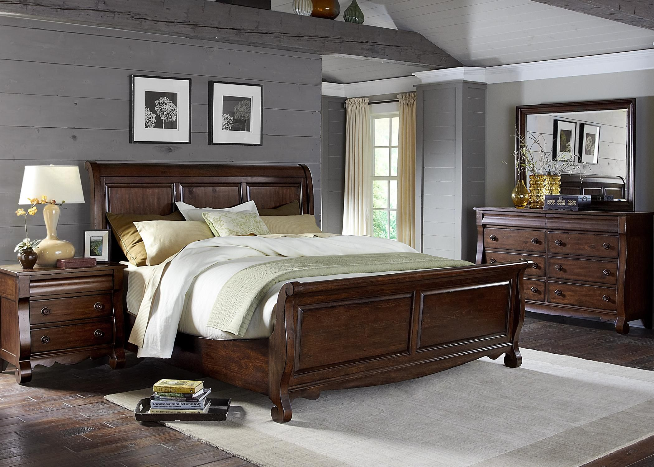 Transitional In Style This Sleigh Bed Can Fit In With Classic Or Modern Decors Traditional Inspired Fr Broyhill Furniture Brown Furniture Bedroom Bedroom Sets