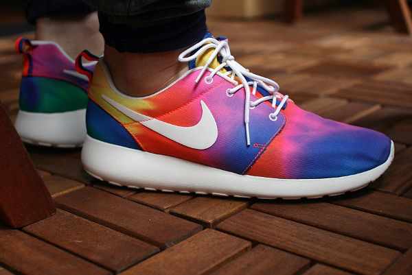 magasin en ligne b44ac 11117 Où acheter Nike Roshe Run Tie Dye ? | Style | Nike shoes ...