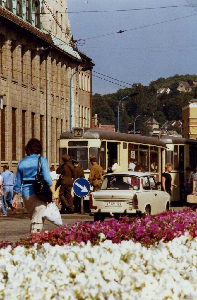 Jena Ddr Russian Soldiers Trabant Gotha Tram Aug 1989 Ddr Stadt Jena Deutsche Geschichte