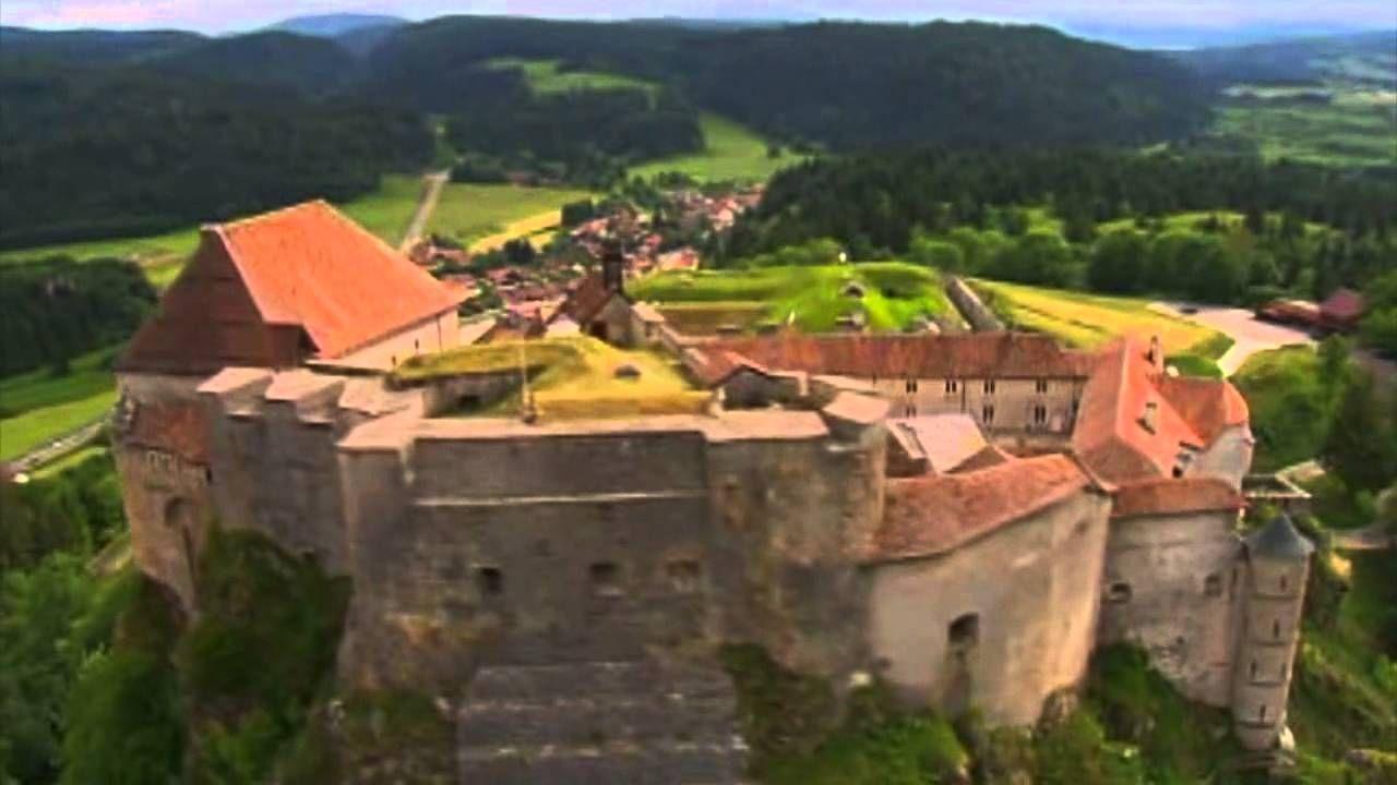 Le Château de Joux vu du ciel