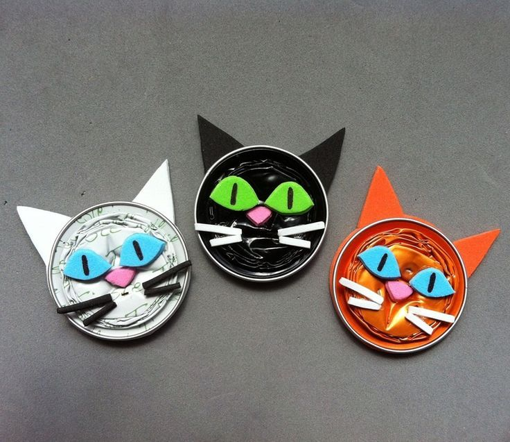 Super Cat magnets made with Nespresso capsules. Chuchimanes by Tutuchi  FW34