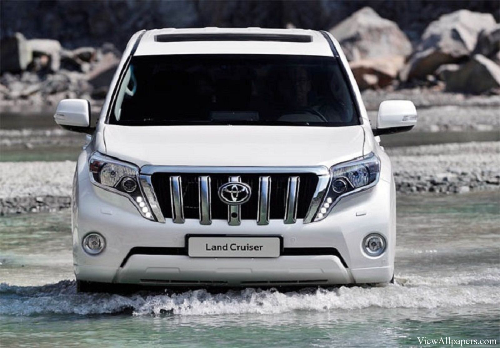 2015 toyota land cruiser redesign and changes