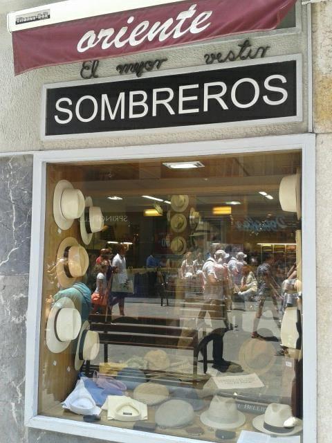 Tienda de Sombreros Oriente. Calle Triana. Las Palmas de Gran Canaria  (Spain) cb686938d6a