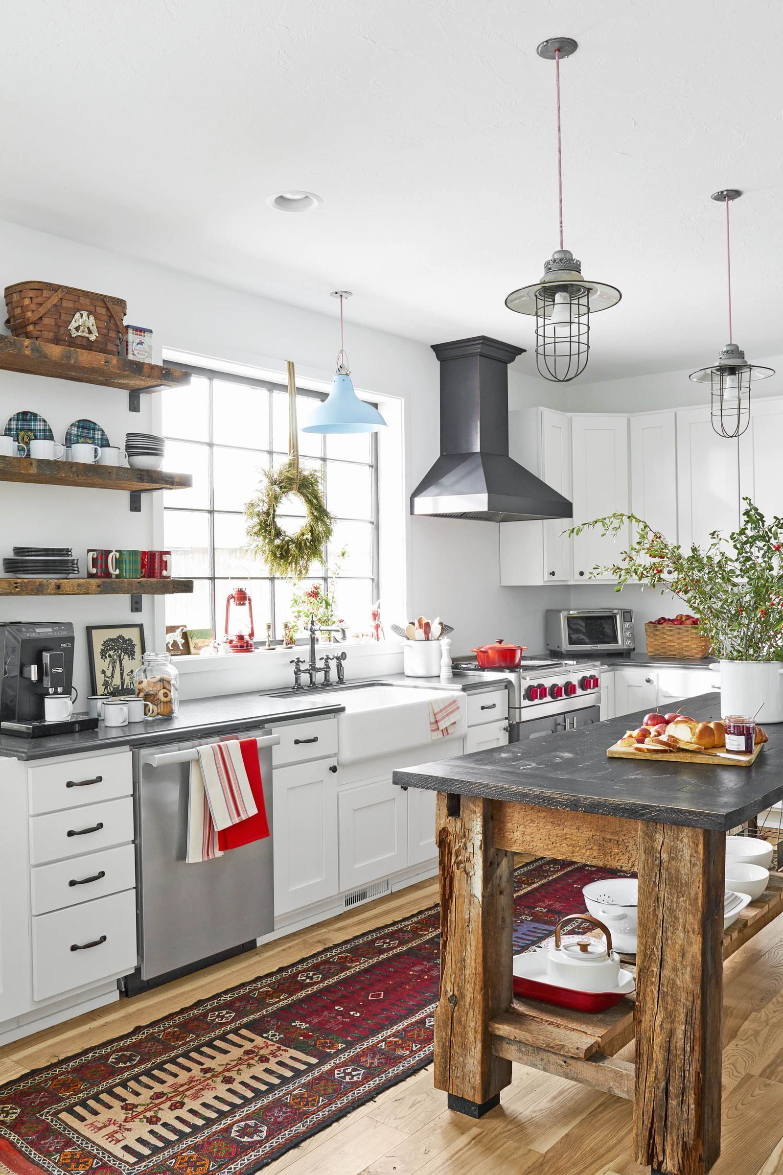 25 christmas kitchen decorating ideas to bring even more cheer into your home farmhouse on farmhouse kitchen xmas id=93643