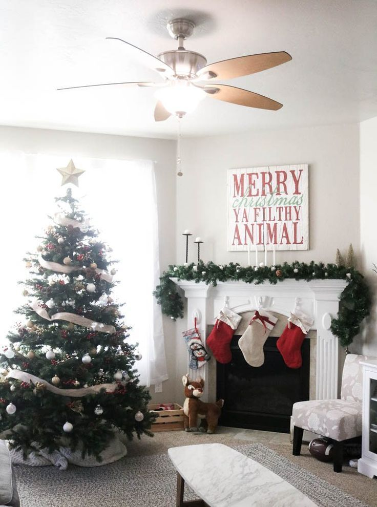 95+ Modern Christmas Home Decor - Christmas Stairs Decoration Ideas ...