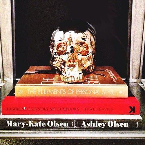 New room. New digs. Sup Morton? #lexiconofstyle #marykateandashley #designerfashionsketches #elle #ellepersonalstyle #instafashion #fashion #coffeetablebooks #skulls #decorations
