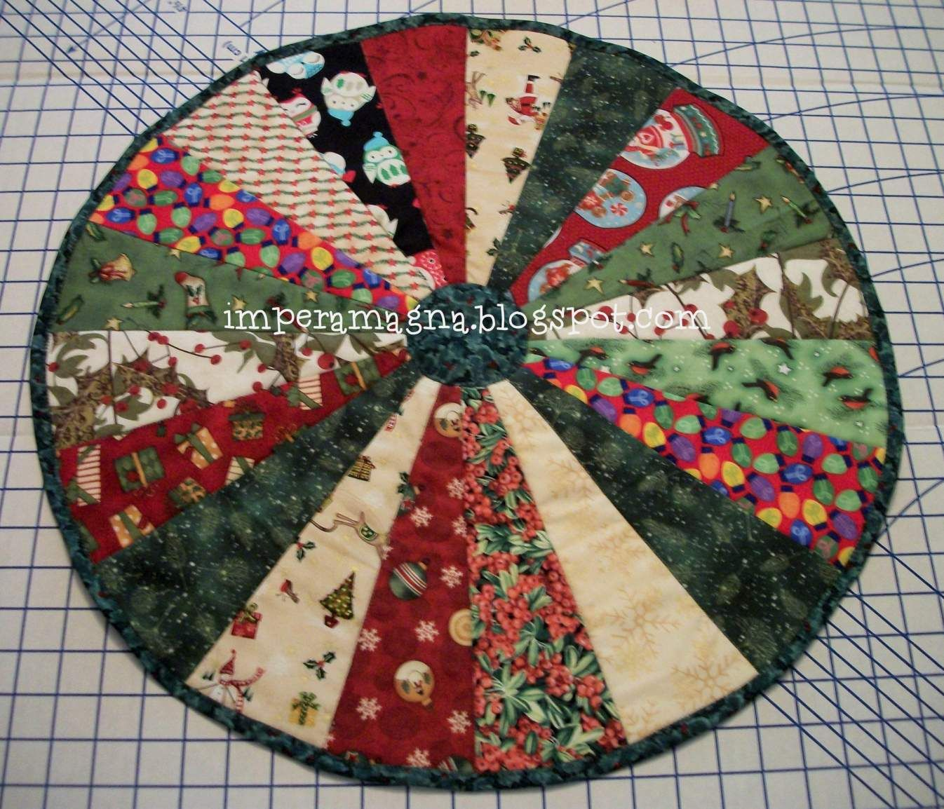 33673d1355174042-round-table-topper-jennys-tutorial-table-topper ... : quilted table toppers - Adamdwight.com