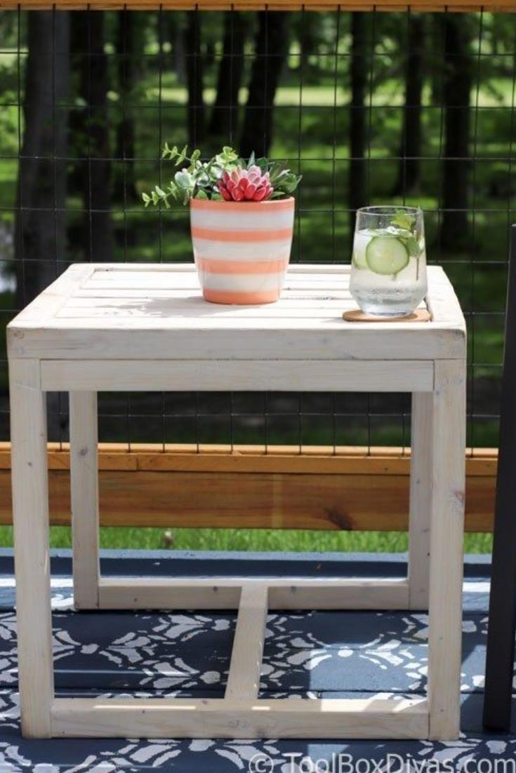 Simple 10 Diy Outdoor Side Table Diy Outdoor Furniture Outdoor