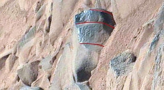 ஜ ۩۞۩ ஜ ஜ ۩۞۩ ஜ Azulestrellla: ● fotografoval humanoidní postavu na skále na Marsu.