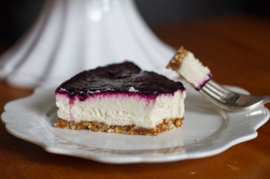 #paleo Raw Blackberry Cheesecake | Crust: ½ C of raw almonds (or macadamia nuts, brazil, hazelnuts, pecans, or walnuts); ½ C of Medjool dates; ¼ teaspoon sea salt | White Layer:   1½ C raw cashews (soaked for at least 3 hours); ⅓ C of coconut oil; 1/3 C lemon juice (or lime juice); ⅓ C raw honey; 1 teaspoon of vanilla extract | Berry Layer:   2 cup of blackberries (or other berry; fresh or frozen); 3 tablespoons of raw honey, or to taste