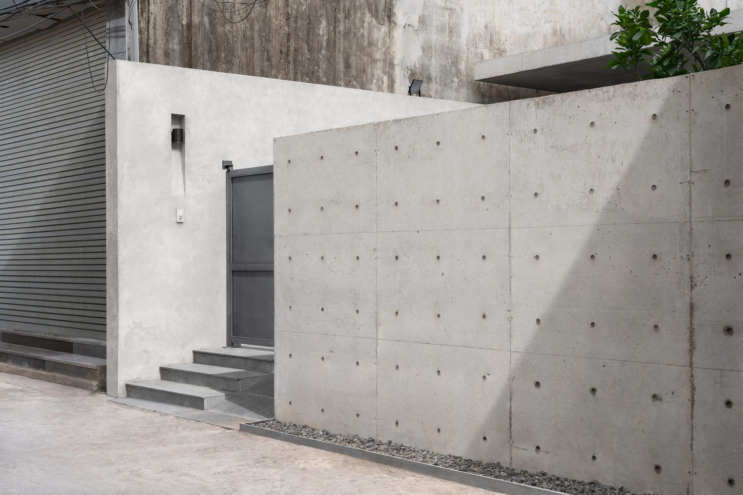Gallery Of Duyen Ha House Nguyen Thanh Trung Architects 2 Architect Concrete Architecture Architecture