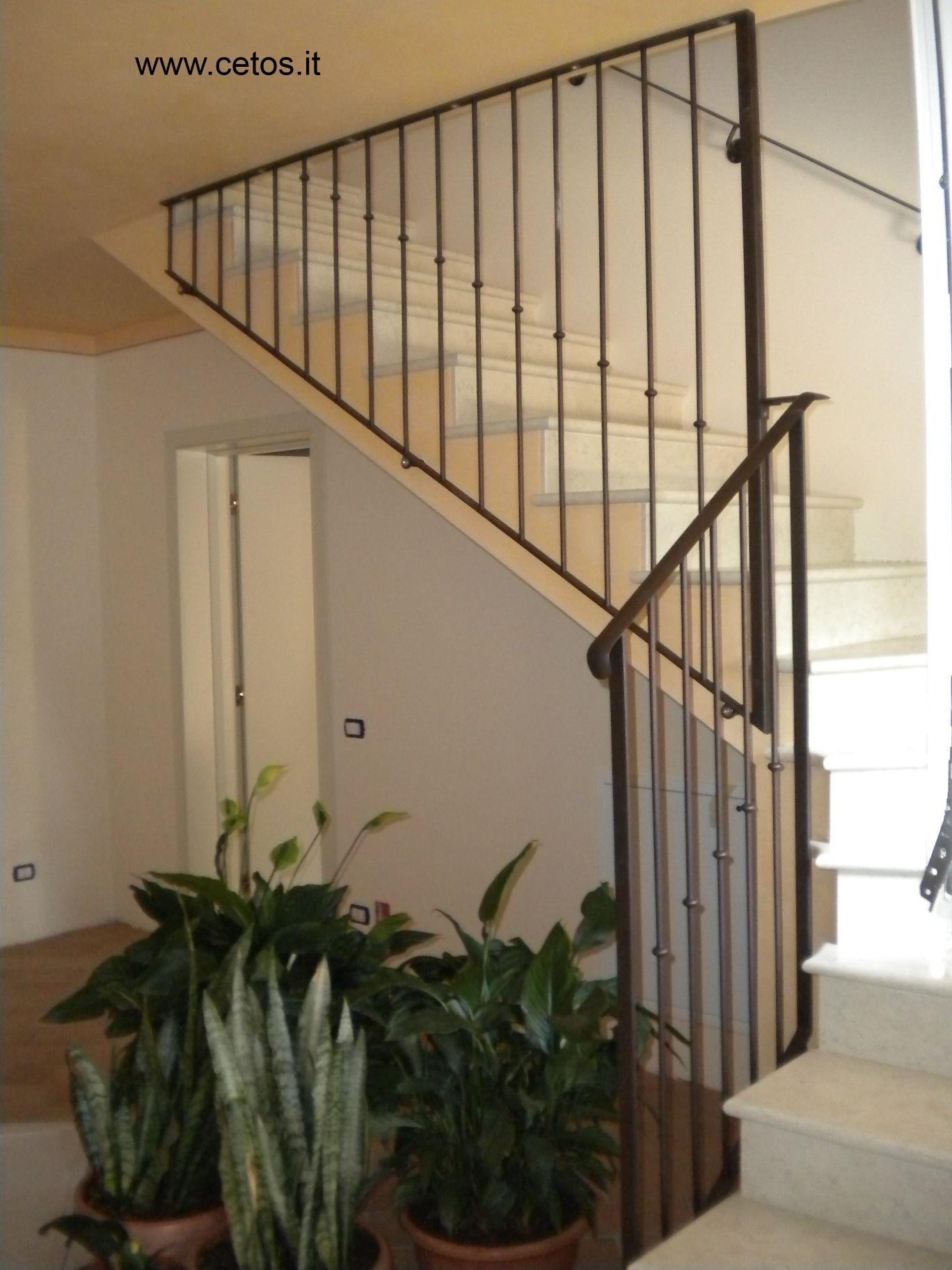 Corrimano scale interne parapetto in ferro with corrimano - Corrimano per scale interne a muro ...