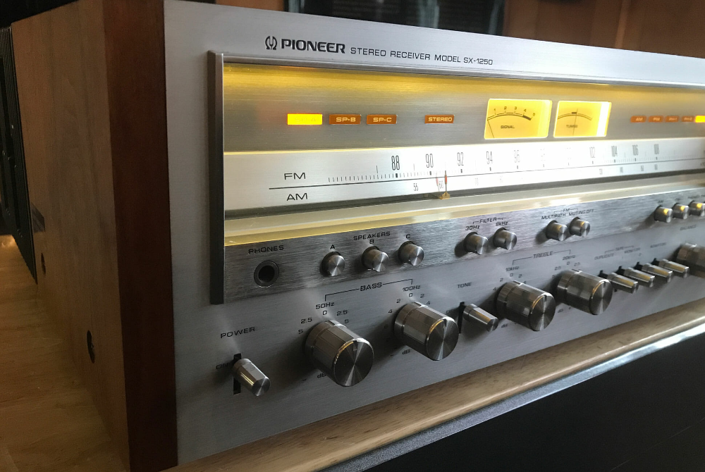 The Most Popular Vintage Receivers • Gear Patrol