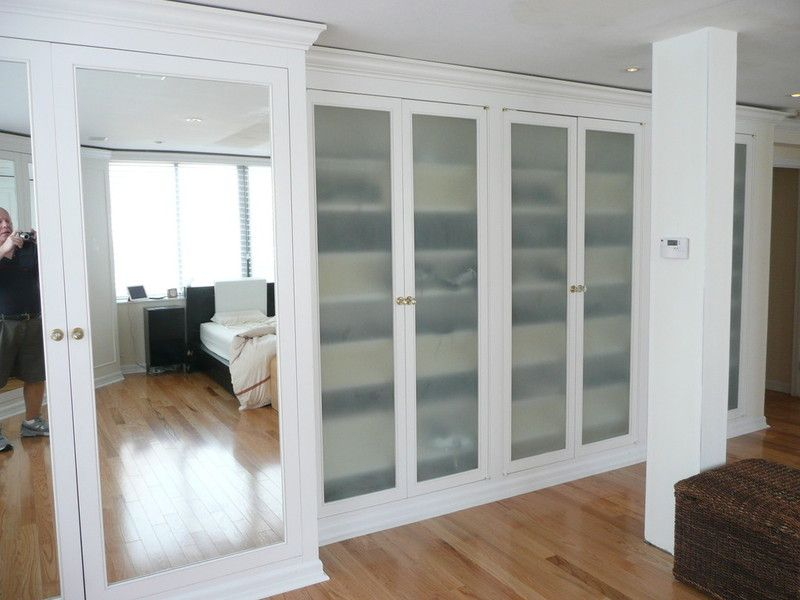 Nyc custom built bedroom walk in reach in closets for Bedroom wall units with wardrobe for small room