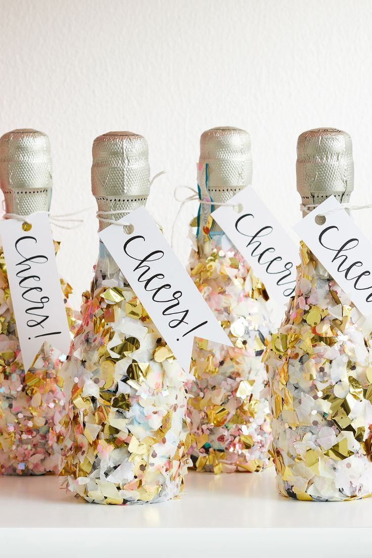 7 Pretty DIY New Year's Party Favor Ideas   Diy new years ...