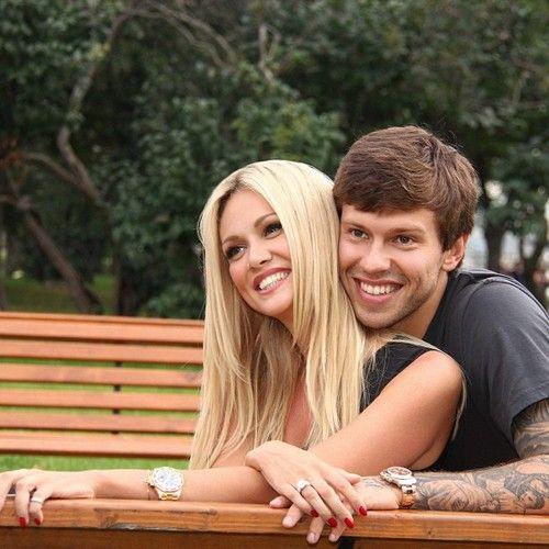 Виктория Лопырева отказалась выходить замуж за час до свадьбы - http://spletnitv.ru/viktoriya-lopyreva-otkazalas-vyxodit-zamuzh-za-chas-do-svadby-2/
