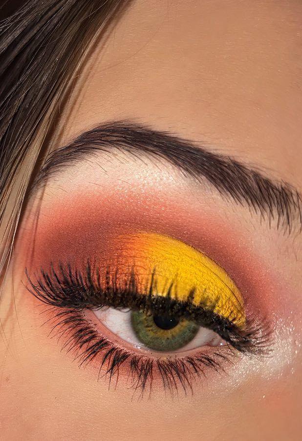 34 Glamour Eyeshadow Ideas and Images! Eyeshadow Basics Everyone Should Know! Part 31 #eyeshadowlooks