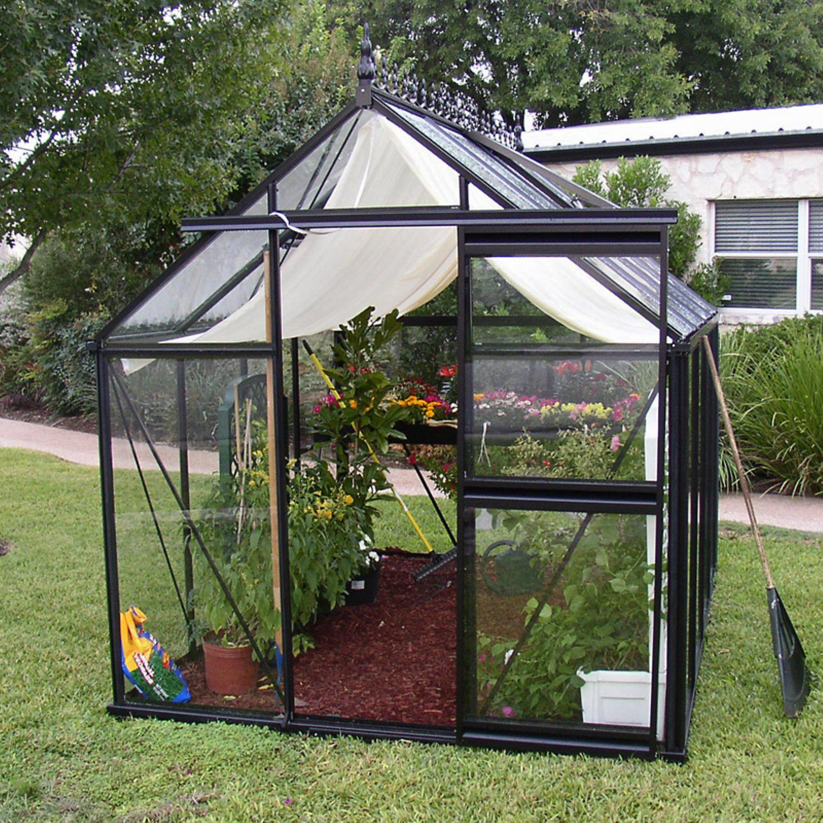 8 small greenhouses you can build all by yourself